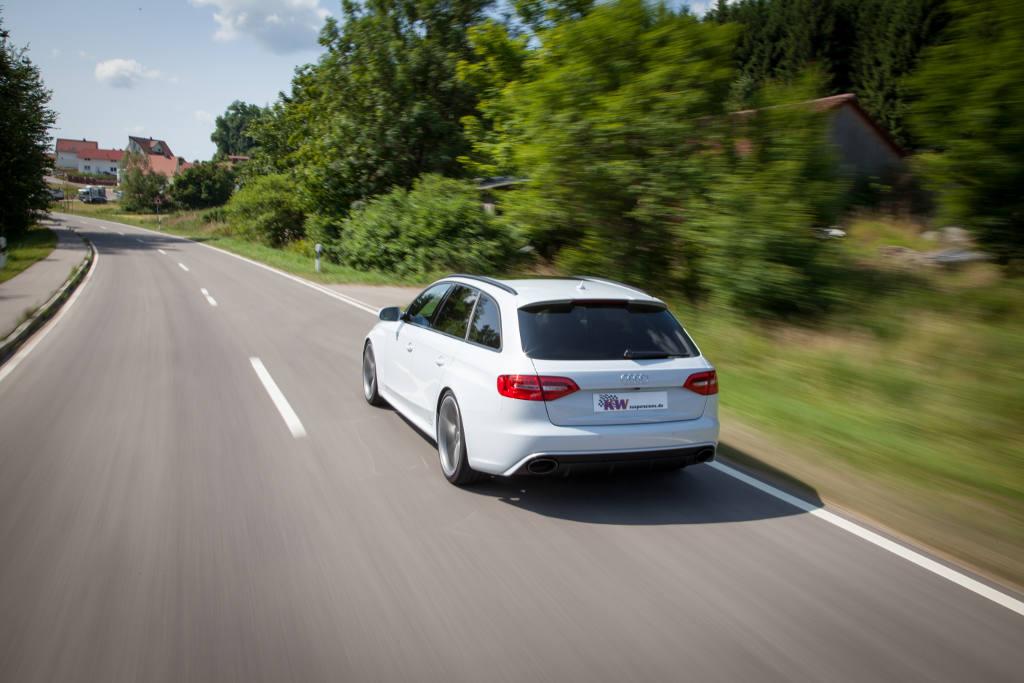 low_KW_Audi_RS4_Fahraufnahme02