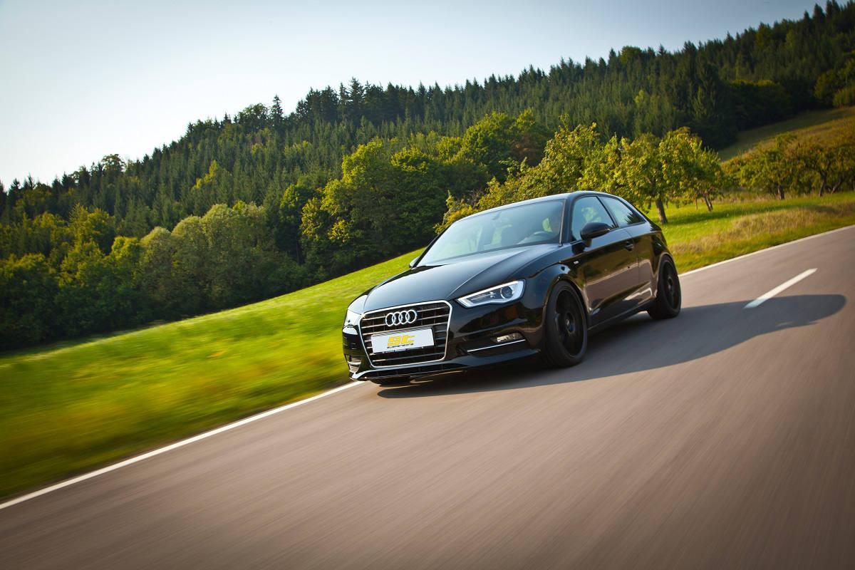 low_ST_Audi_A3_Fahraufnahme
