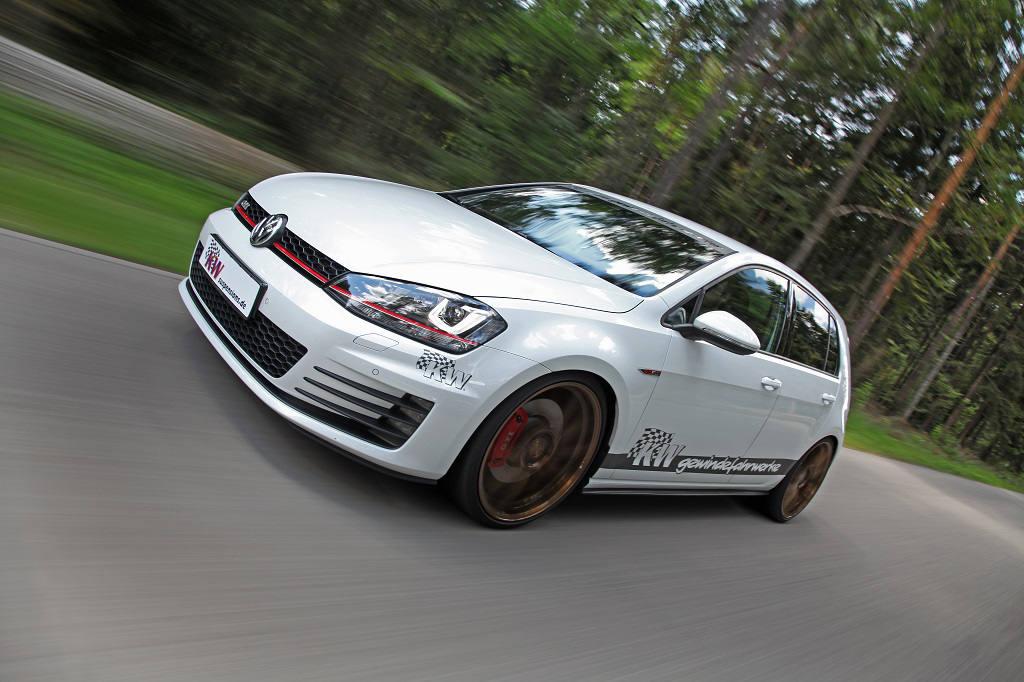 low_KW_DDC_Wochen_VW_Golf_7_GTI_Fahraufnahme03