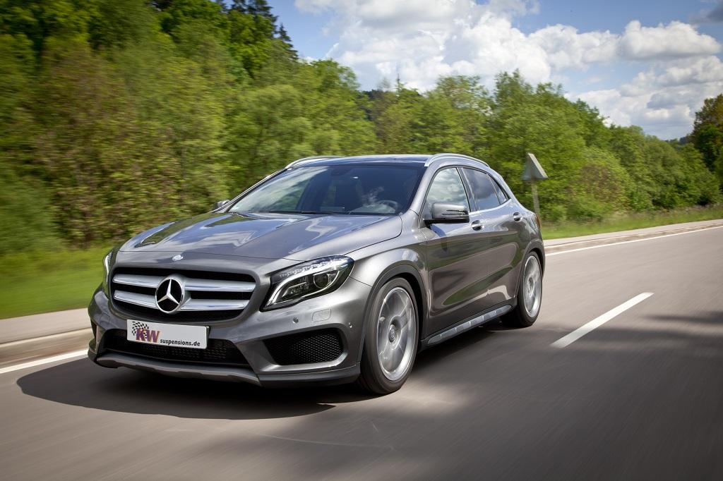 low_KW_MercedesBenz_GLA_Typ_X156_076