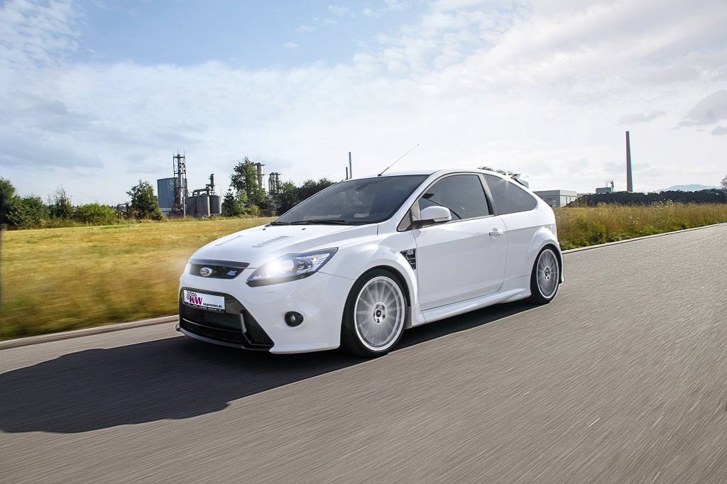 72dpi_KW_SpringSales_Ford_Focus_RS
