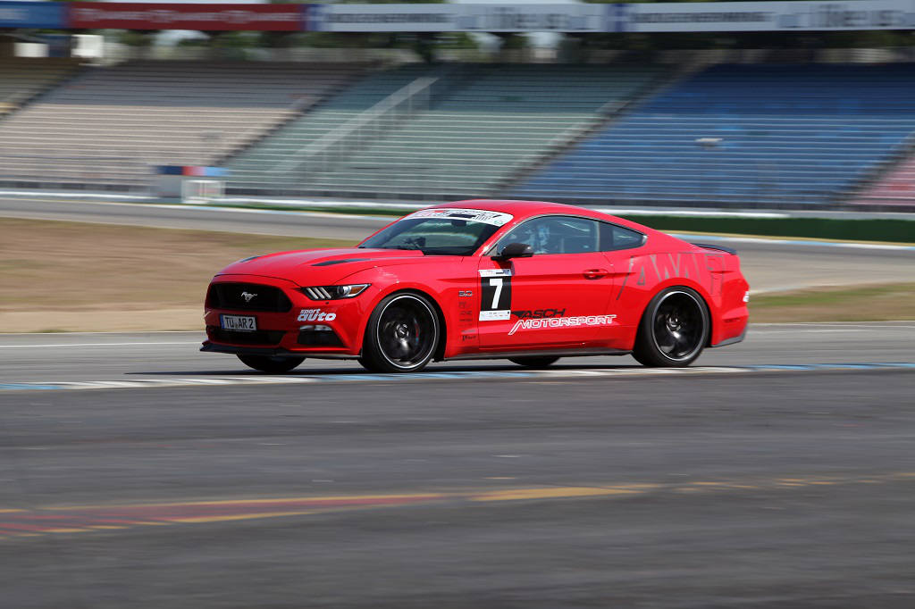 low_KW_V3_Ford_Mustang_Fahraufnahme