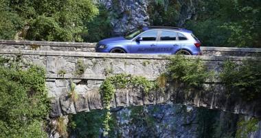 """KW Fahrdynamik und mehr Sounddynamik für Audi Q5 """"Alpine Style"""""""