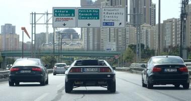 """""""Zurück um die Welt"""" – Weltreise mit drei DeLorean DMC-12"""