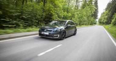 """Plug-in-Hybrid trifft auf """"Plug-in-Fahrspaß"""": KW Gewindefahrwerke für VW Golf 7 GTE"""