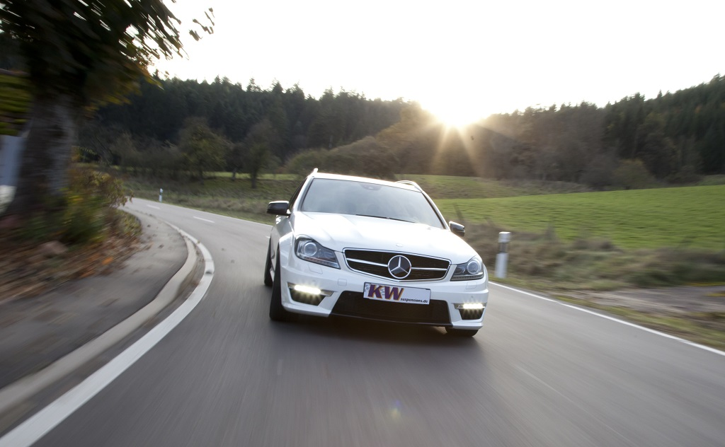 low_KW_MercedesBenz_C-Klasse_Typ_W204_C63-AMG_T-Modell_002