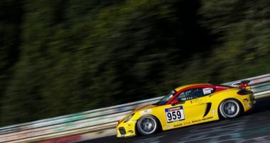 VLN: Marc Hennerici und Moritz Oberheim feiern Cayman GT4 Trophy by Manthey-Racing Titel