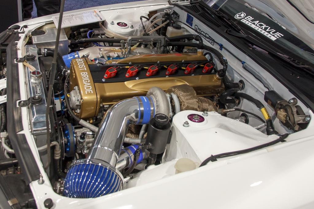 Boost Brigade Nissan R32 Skyline mit KW HLS