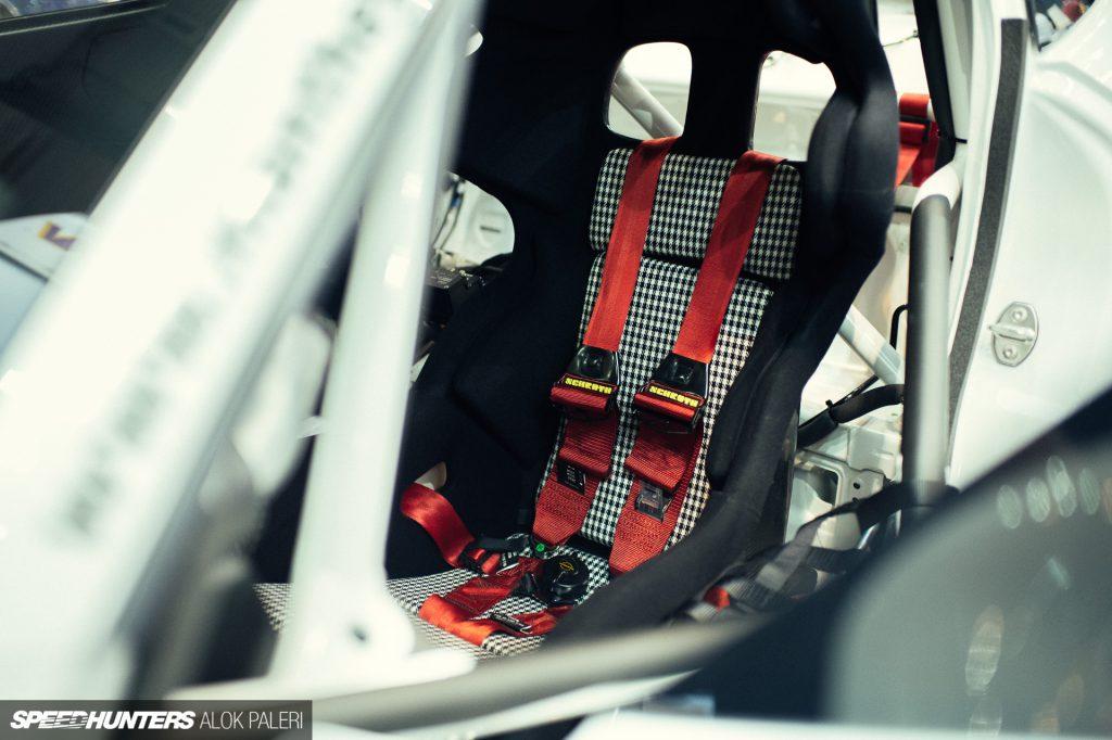 Manthey GT3 Cup MR mit vielseitig einstellbarem KW Competition Fahrwerk.