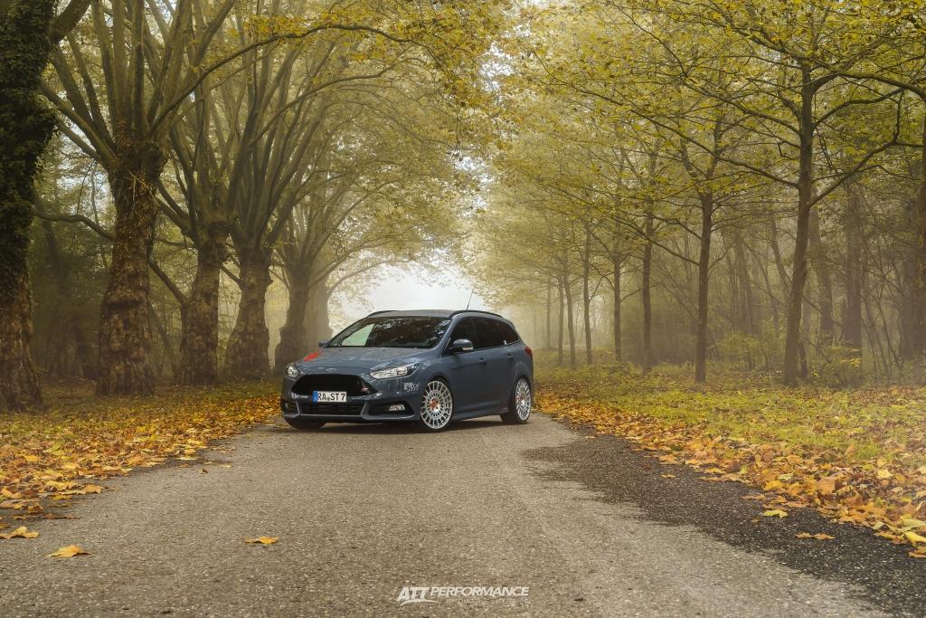 Auch für den Ford Focus ST Turnier ist das KW Gewindefahrwerk Variante 3 lieferbar.