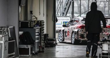 Offiziell: KIA Cee'd TCR Rennwagen setzt auf KW Competition Fahrwerk