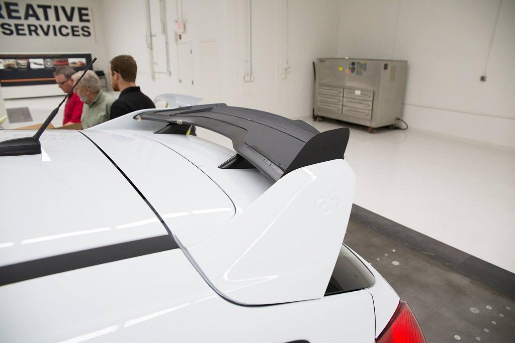 Montage der ersten Roush Prototypen am Focus RS.
