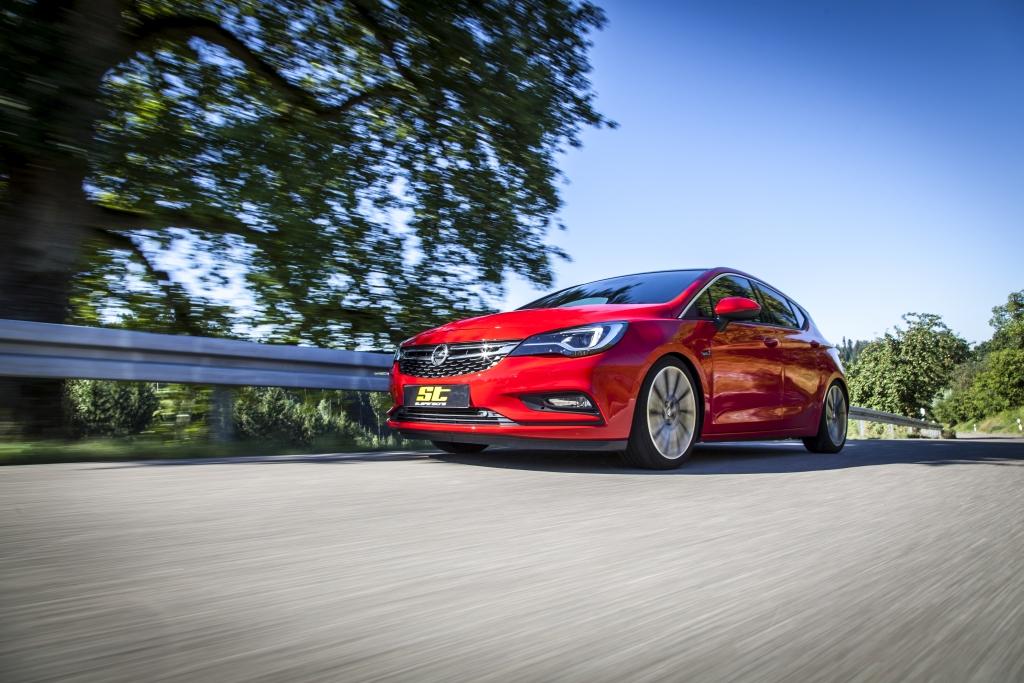 Garantiert mehr Fahrdynamik im Opel Astra K: das günstige ST X Gewindefahrwerk ist endlich erhältlich.