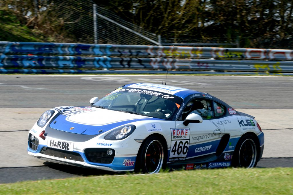 W&S Motorsport Porsche Cayman mit KW Competition in der VLN Meisterschaft