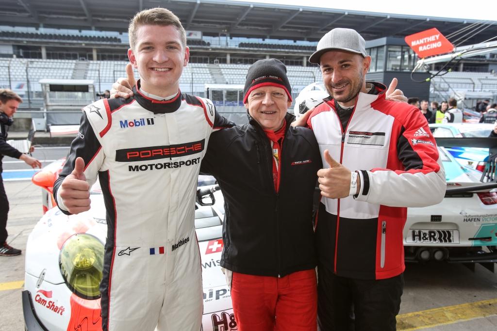 Manthey Racing siegte erneut bei der VLN