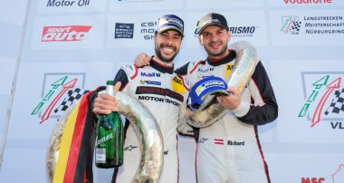 Doppelerfolg für Manthey-Racing