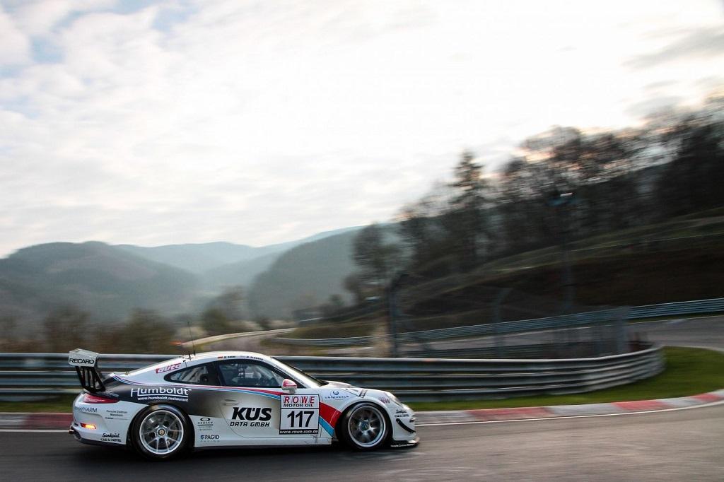 KÜS Team75 Bernhard Porsche 911 GT3 Cup auf KW Competition in der VLN