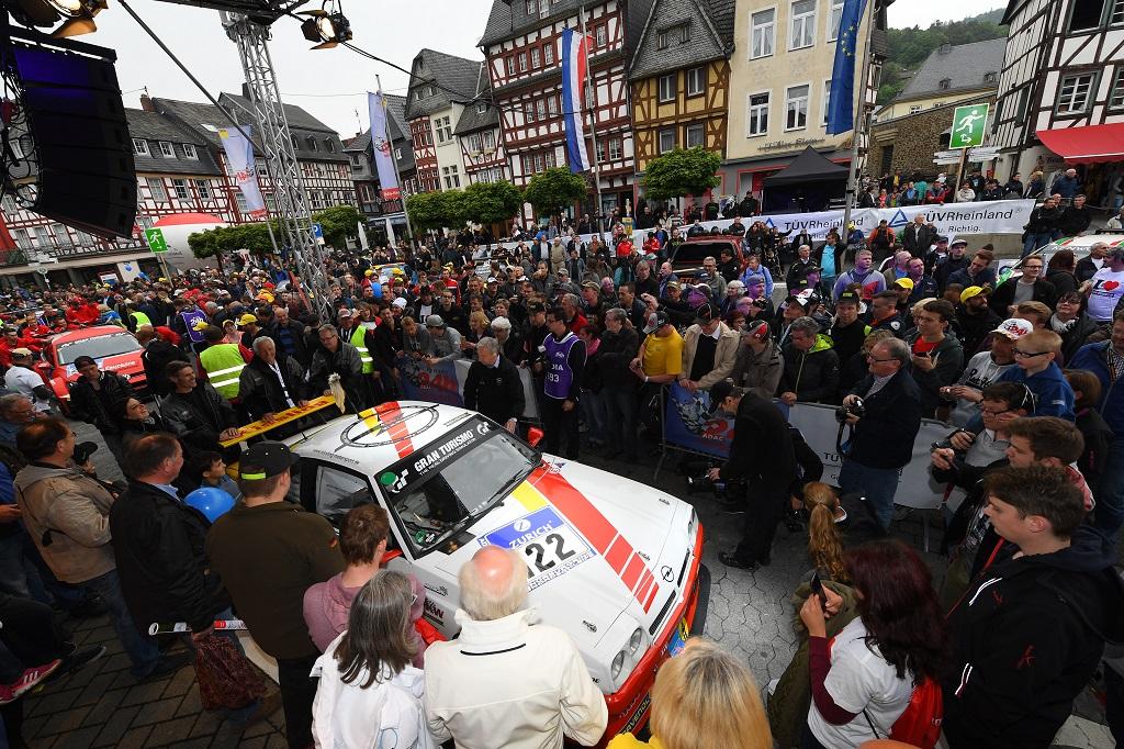 Der Klassiker schlechthin beim 24h-Rennen: Opel Manta auf KW