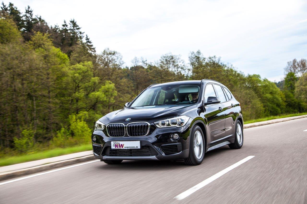 Das KW Gewindefahrwerk sorgt für eine stufenlose Tieferlegung beim neuen BMW X1