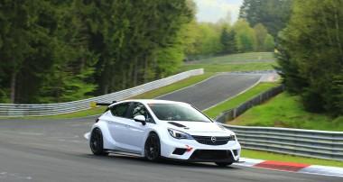 KW Fahrwerkhomologation für den Opel Astra TCR
