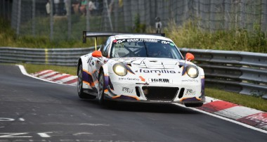 rent2Drive-FAMILIA-racing: Top-10 bei der VLN!