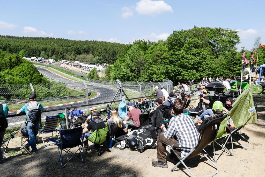 83 Rennwagen rüstete KW für das 24h-Rennen am Nürbrugring aus. Die Kunden fuhren zwölf Klassensiege nach Hause!