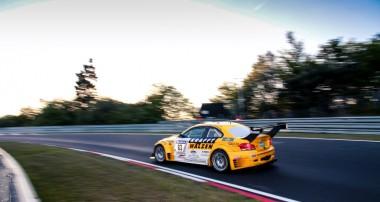 1M Coupé außer Rand und Band: Klassensieg von Leutheuser Racing in der Eifel