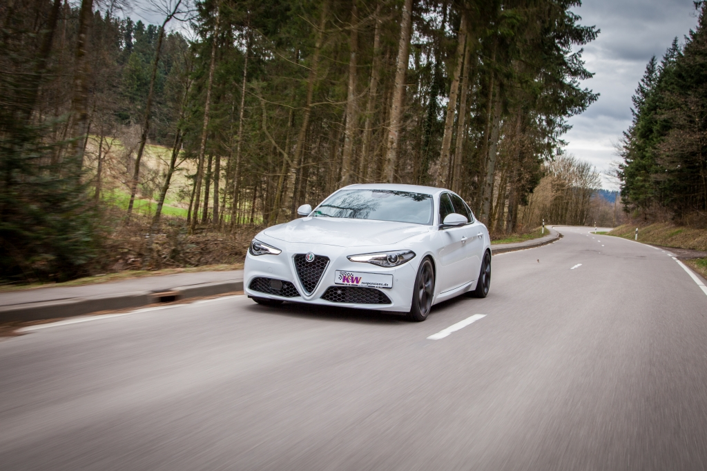 Das populäre KW Gewindefahrwerk Variante 3 ist auch für die Alfa Romeo Giulia (952) erhältlich.