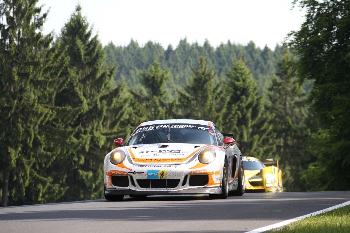24h-Rennen Sieg in der Klasse V5 für KW Kunde PROsport Performance