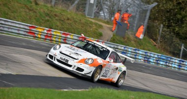 VLN: rent2Drive-FAMILIA-racing: Top-10 durch Menzel / Lukovnikov