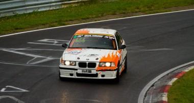 VLN: Doppelter Klassensieg für rent2Drive-FAMILIA-racing