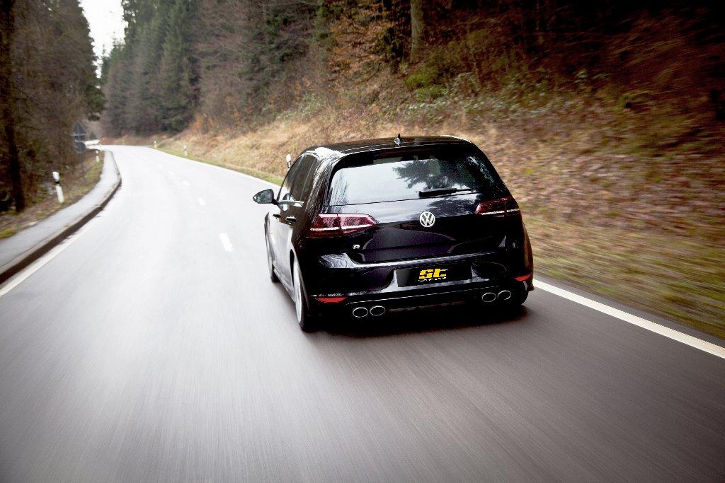 Auch für den Golf R entwickelt ST suspensions Fahrwerkkomponenten