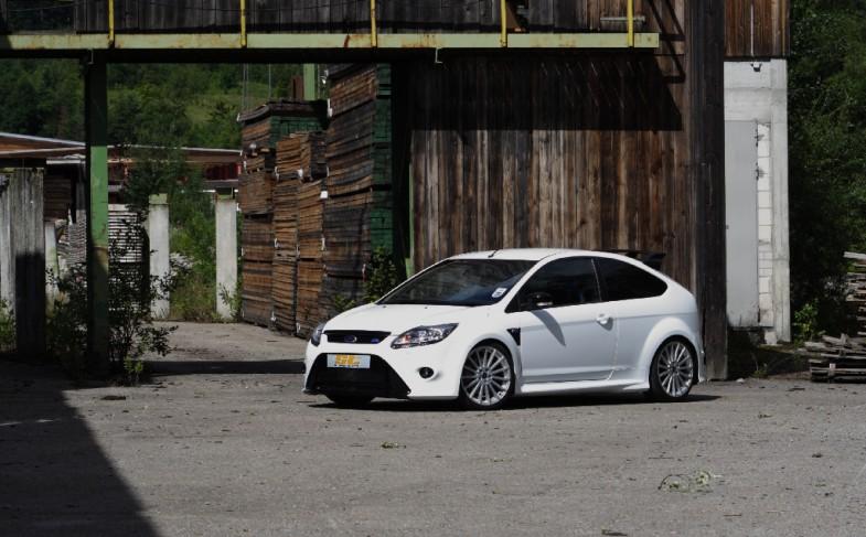 Umfangreiches Fahrwerkangebot für Ford Focus RS II und RS500