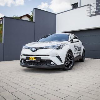 Ungebremster Fahrspaß für SUV: ST XA Gewindefahrwerk und AZX Spurverbreiterungen für Toyota C-HR