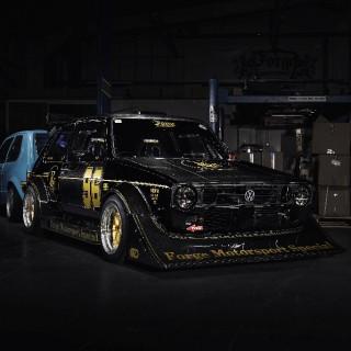 """Schwarz, breit und stark: der """"Über-Einser"""" von Forge Motorsport"""