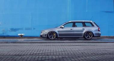 Längst ein Youngtimer: Audi RS4 B5 mit Variante 3 und 20″ RSQ1-Felgen