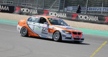 VLN: Zurück in der Spur – Derscheid Motorsport fährt mit Ersatzauto auf Podiumsplatz