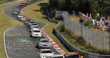 VLN: Unfall des Derscheid Motorsports BMW verhindert bei Aufholjagd ein gutes Ergebnis