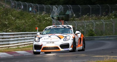 VLN: Dritter Sieg für GetSpeed Performance in der Cayman GT4 Trophy