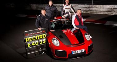 Neuer Nordschleifen-Rekord: 6:40.33 Minuten im Porsche 911 GT2 RS MR mit Straßenzulassung