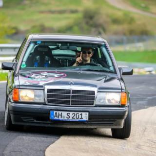 Der, der mit seinem Benz um die Nordschleife tanzt: ein Mercedes-Benz 190 E (W201) als Tracktool