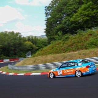 VLN: Dreifachtriumph für Pixum Team Adrenalin Motorsport
