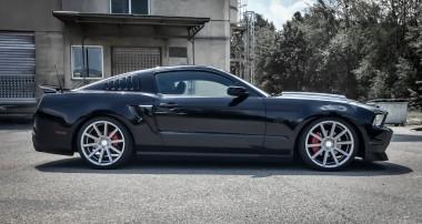 Kultstatus inklusive: KW V3 im Ford Mustang
