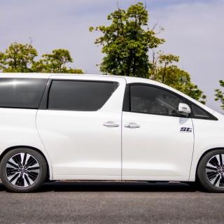 ST suspensions baut Lieferangebot für asiatische Fahrzeuge aus: ST XA Gewindefahrwerk für Toyota Alphard und Vellfire (AH20)