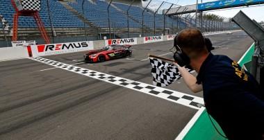 KW Nachwuchstalent holt Doppelsieg in der Lausitz: Tim Heinemann fährt in der DTM-Trophy um die Meisterschaft