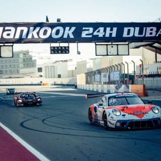 24h-Rennen Dubai 2021: Erster 24h-Heimsieg für KW Competition Kunde GPX Racing!