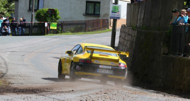 Rallye: Rainer Noller erfolgreich bei Sachsen Rallye im KW Porsche