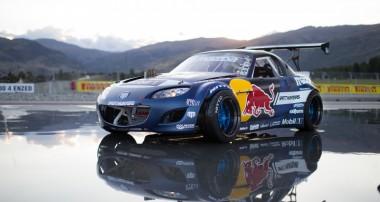 Red Bull und KW Drifter Mad Mike Whiddett enthüllt seinen Radbul