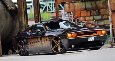 Simply the Best – ein Dodge Challenger SRT8 räumt ab!