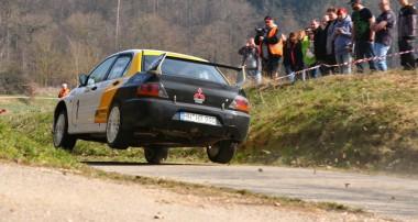Rallye: Rainer Noller fliegt aktuell mit seinem KW Evo von Sieg zu Sieg